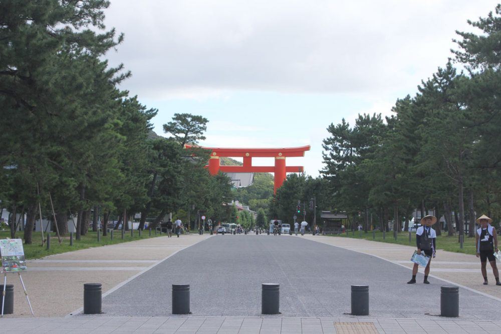 Torii gate of the Heian Jingu shrine in Kyoto, Japan